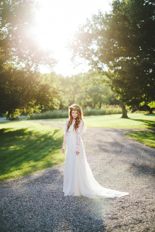 bridal portraits - photo by Shots by Cheyenne https://ruffledblog.com/farm-to-table-wedding-inspiration-in-nashville