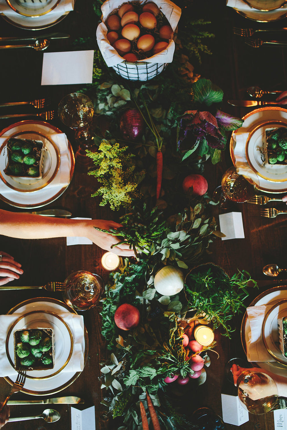 farm to table tablescapes - photo by Shots by Cheyenne http://ruffledblog.com/farm-to-table-wedding-inspiration-in-nashville