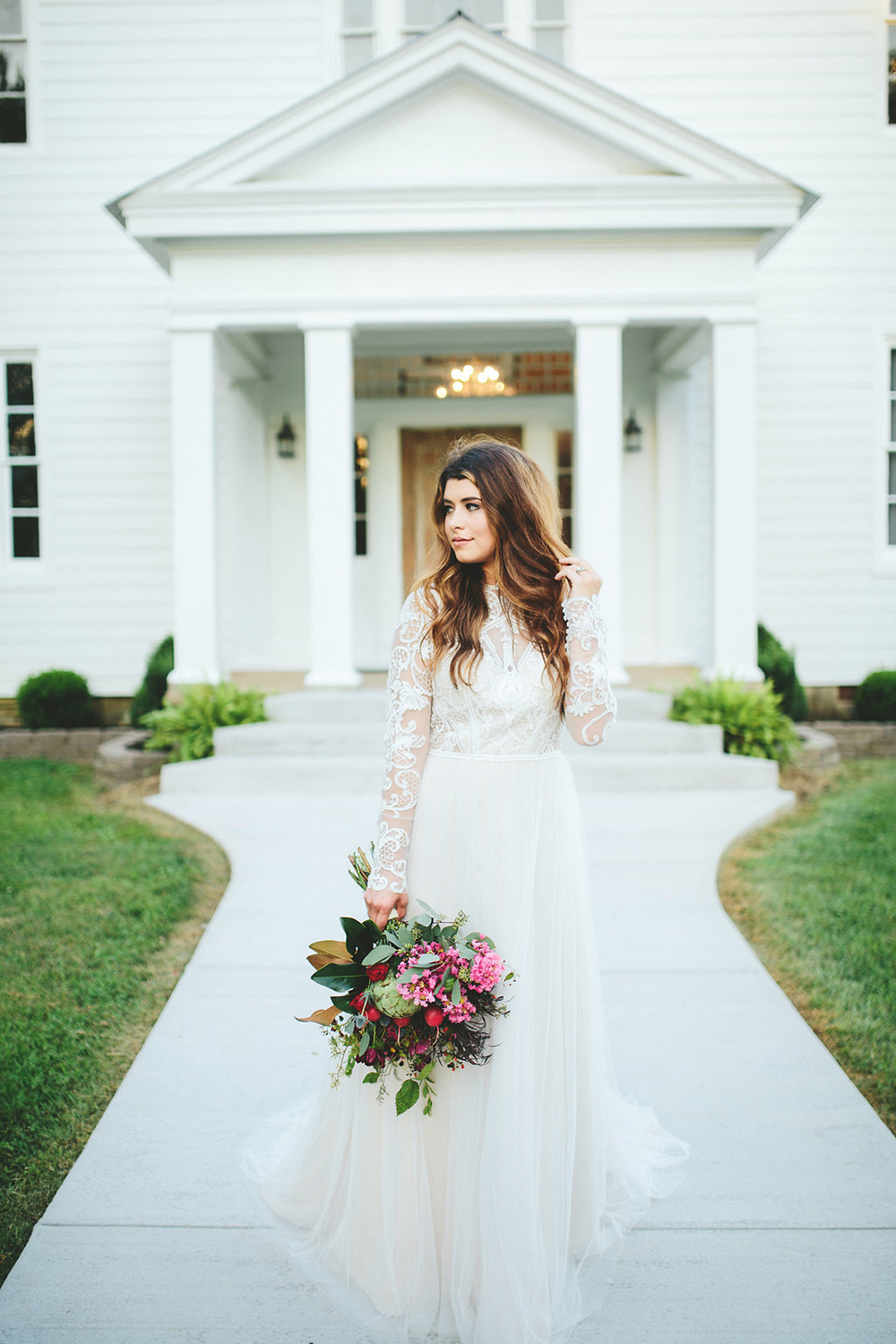 romantic bridal portraits - photo by Shots by Cheyenne http://ruffledblog.com/farm-to-table-wedding-inspiration-in-nashville