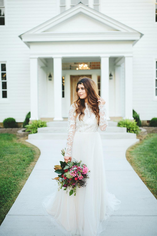 romantic bridal portraits - photo by Shots by Cheyenne https://ruffledblog.com/farm-to-table-wedding-inspiration-in-nashville
