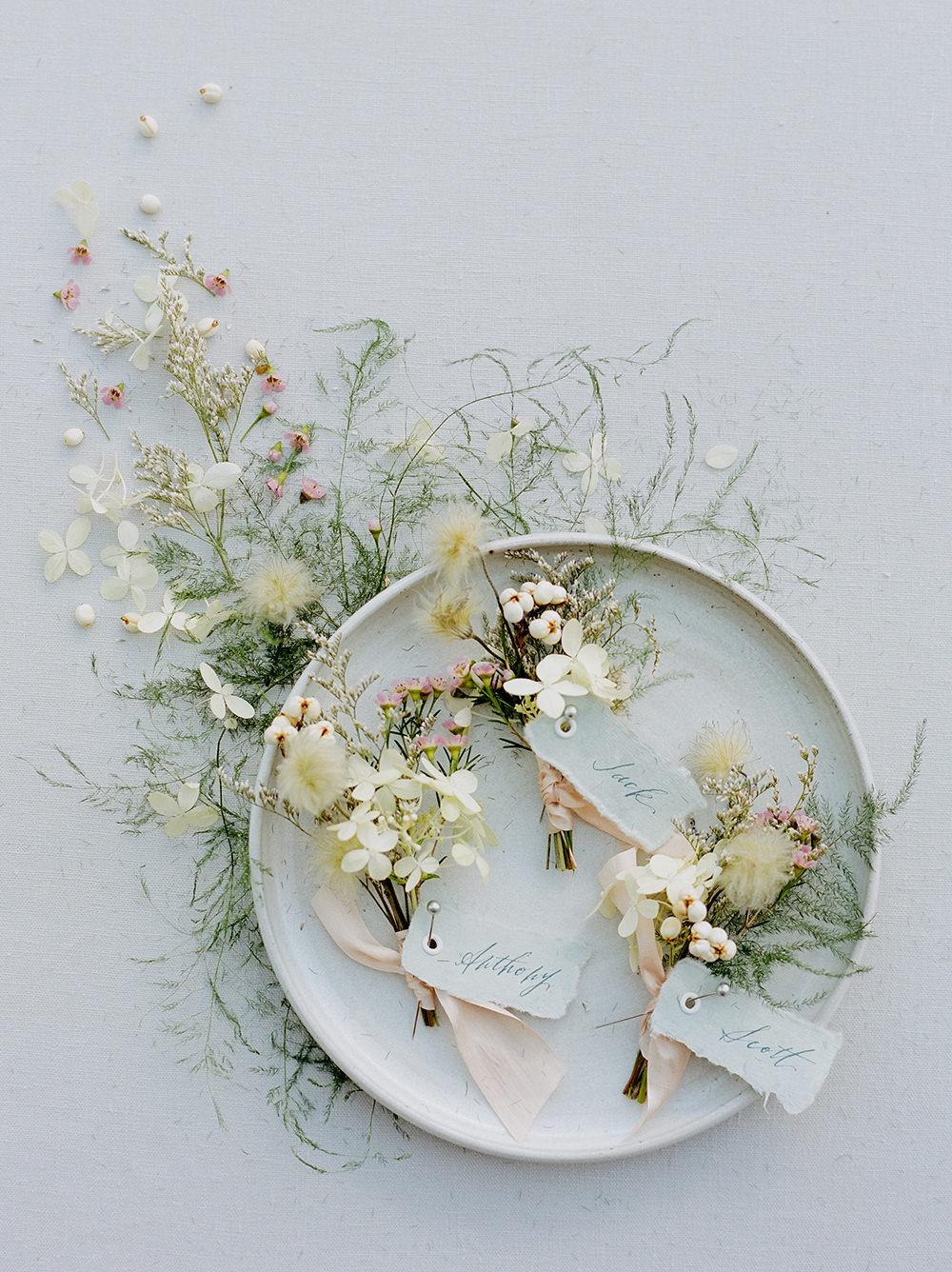 Farmhouse Wedding Inspiration Tallow Berry06