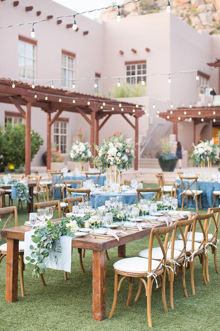 southwestern wedding receptions - photo by Amy and Jordan Photography http://ruffledblog.com/feminine-floral-wedding-in-the-arizona-desert