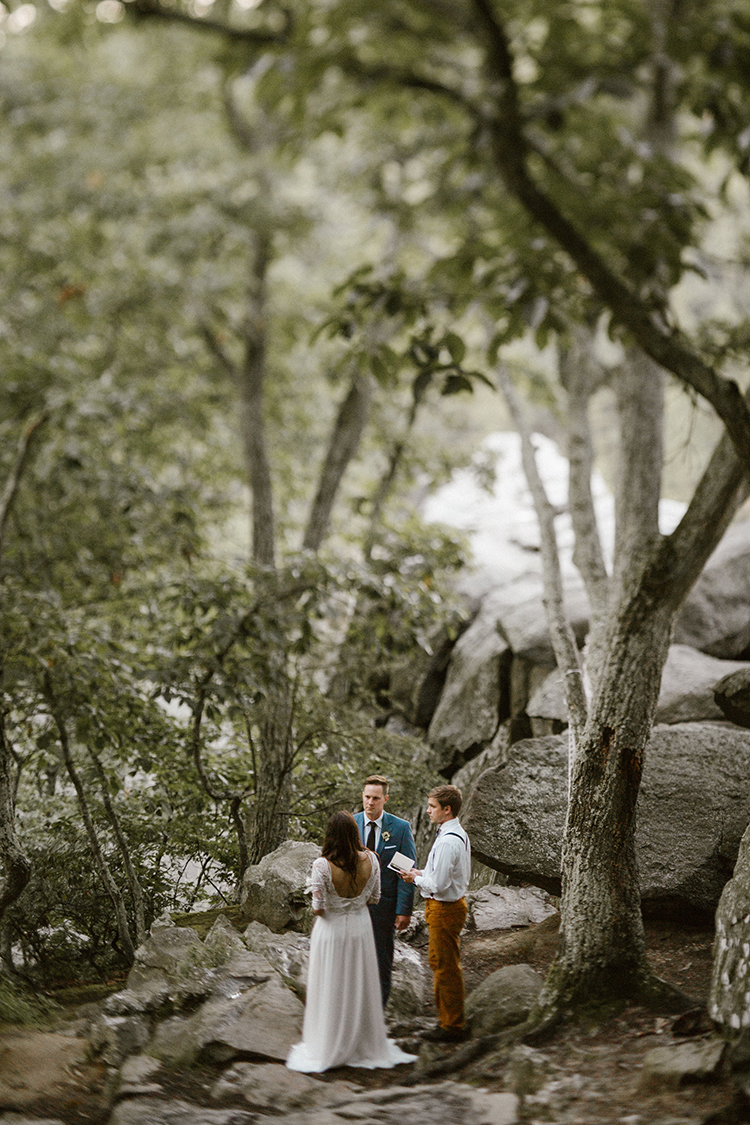 bohemian wedding ceremonies - photo by Victoria Selman https://ruffledblog.com/foggy-mountaintop-elopement-inspiration-with-macrame