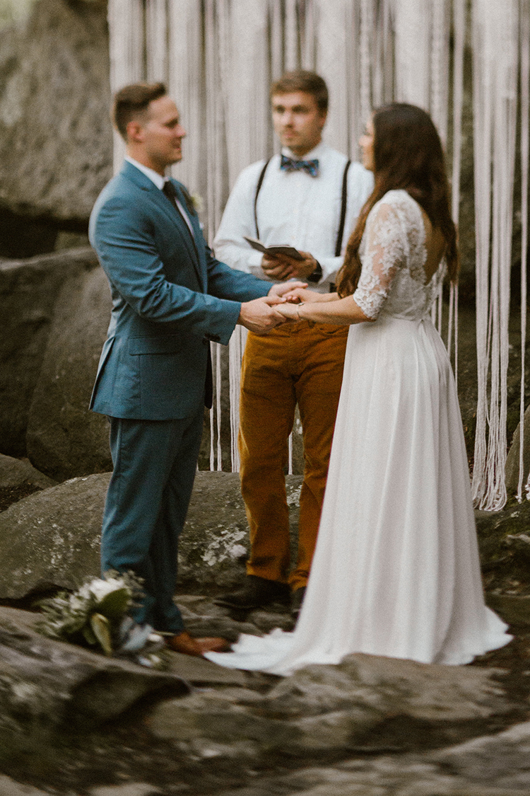 romantic wedding ceremonies - photo by Victoria Selman https://ruffledblog.com/foggy-mountaintop-elopement-inspiration-with-macrame
