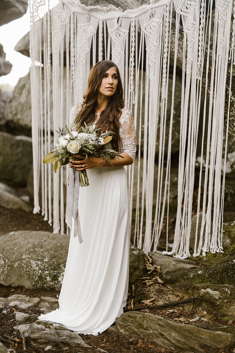 bohemian bridal portraits - photo by Victoria Selman https://ruffledblog.com/foggy-mountaintop-elopement-inspiration-with-macrame