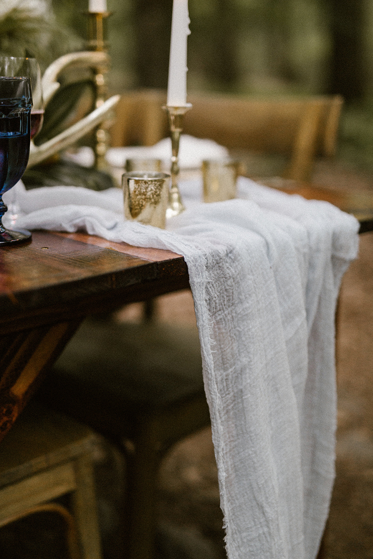 gauze table runners - photo by Victoria Selman https://ruffledblog.com/foggy-mountaintop-elopement-inspiration-with-macrame
