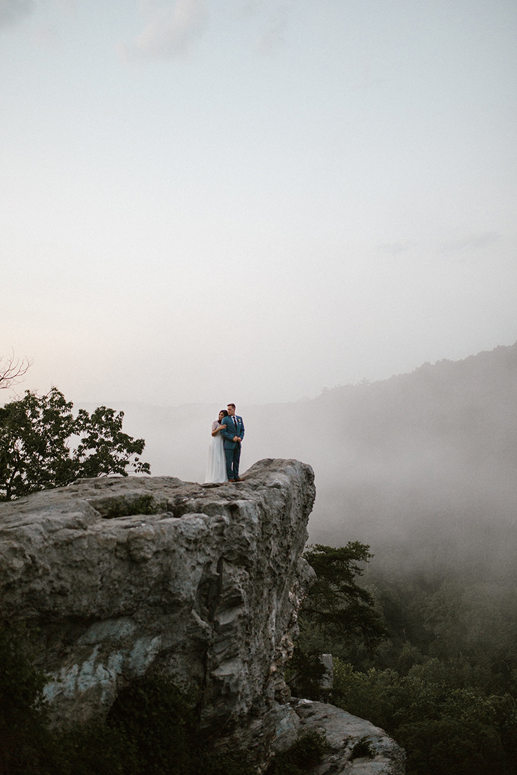 foggy mountaintop weddings - photo by Victoria Selman https://ruffledblog.com/foggy-mountaintop-elopement-inspiration-with-macrame