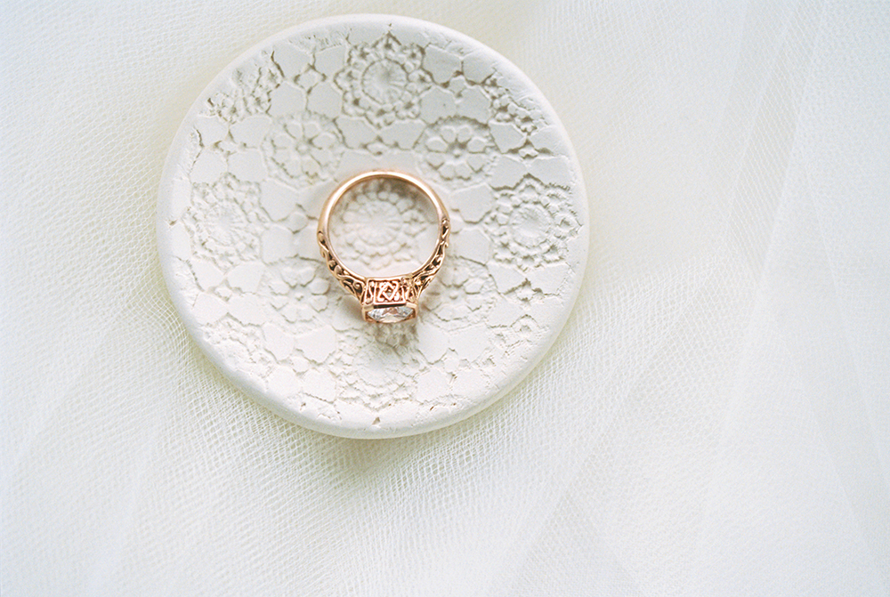unique ring dishes - photo by Alexis June Weddings https://ruffledblog.com/for-the-love-of-copper-wedding-inspiration