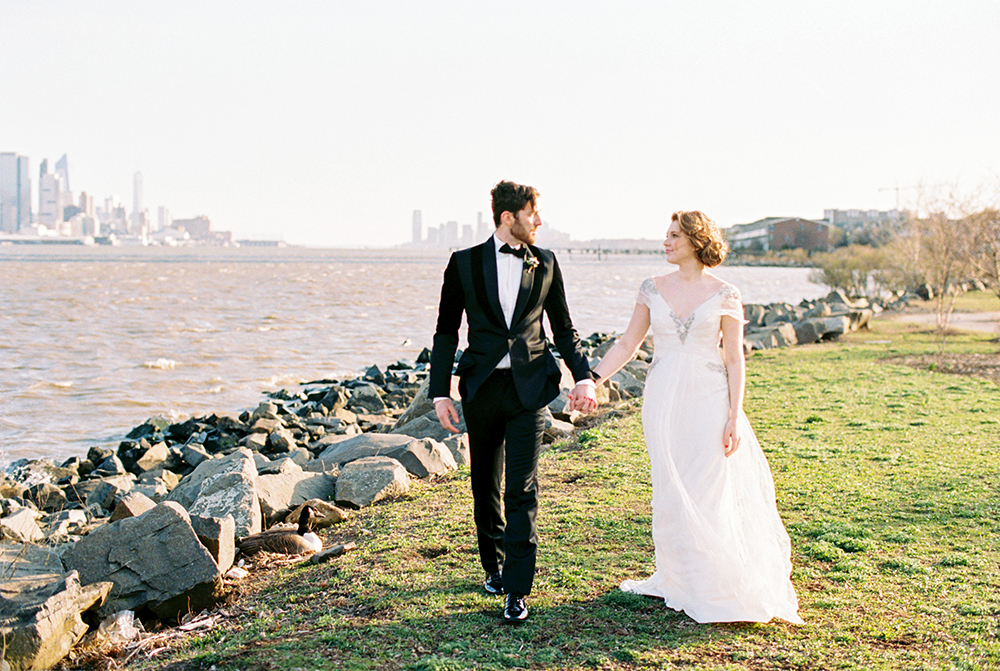 wedding photography - photo by Alexis June Weddings http://ruffledblog.com/for-the-love-of-copper-wedding-inspiration