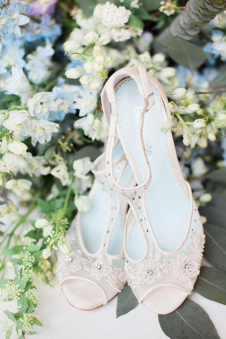 champagne wedding shoes - photo by Natalie Bray Photography https://ruffledblog.com/french-provencal-wedding-inspiration-with-geometric-accents