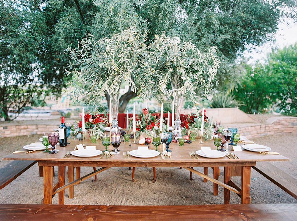 wedding tables - photo by Melissa Jill http://ruffledblog.com/fruit-filled-vineyard-wedding-inspiration