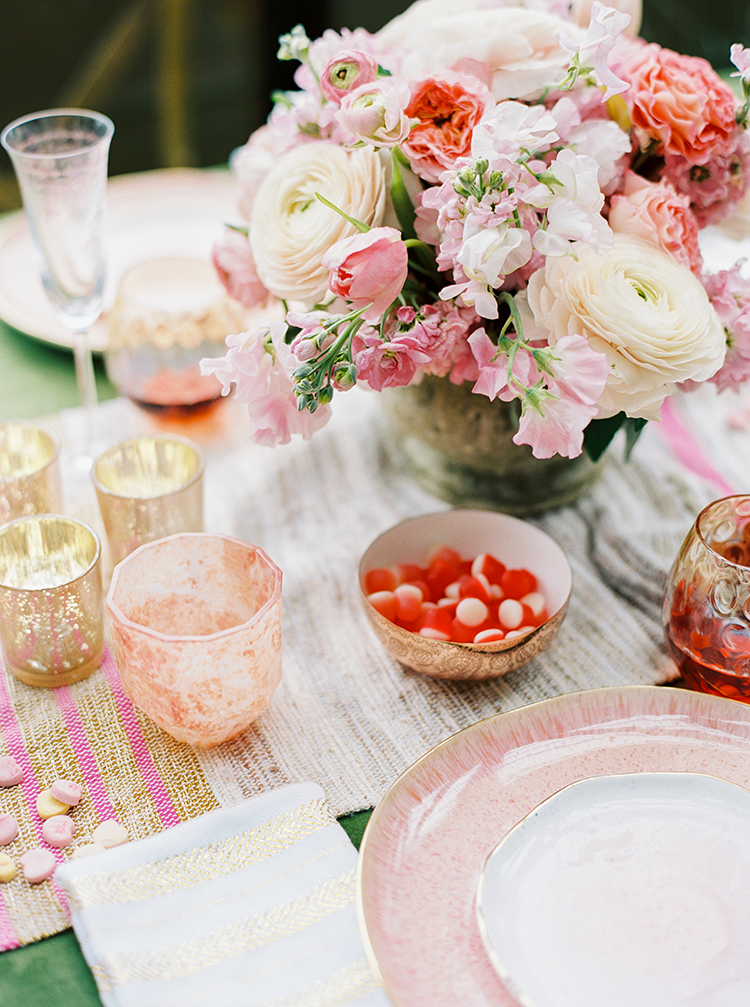 romantic wedding tables - photo by Danielle Poff Photo https://ruffledblog.com/fun-and-flirty-bridal-shower-inspiration