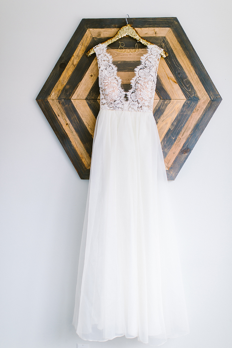 wedding dresses - photo by Redfield Photography https://ruffledblog.com/fun-wedding-celebration-at-brooklyn-winery