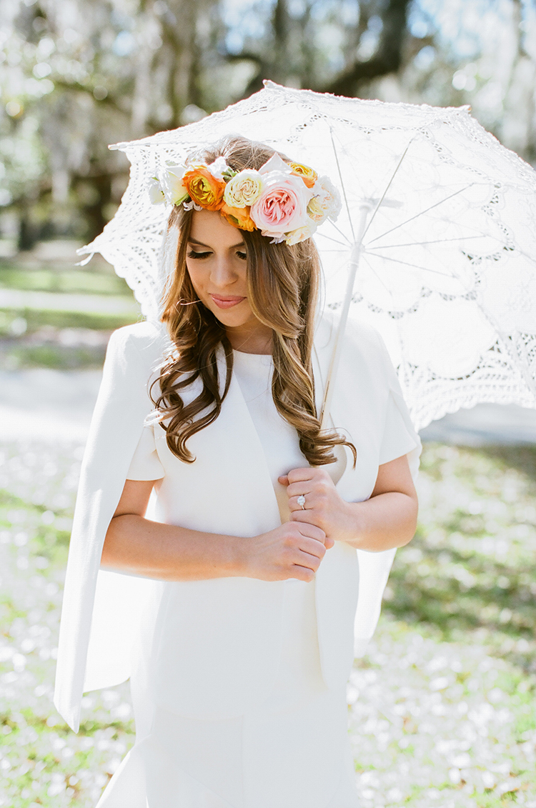 vintage umbrellas at weddings - photo by Arte de Vie http://ruffledblog.com/garden-bridal-shower-with-hanging-umbrellas