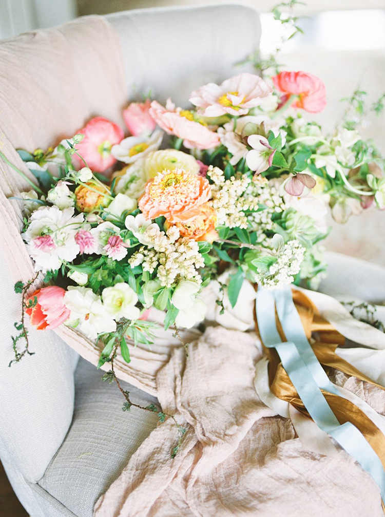 wedding bouquets with poppies - photo by Hillary Muelleck Photography http://ruffledblog.com/garden-estate-wedding-inspiration-with-delicate-poppies