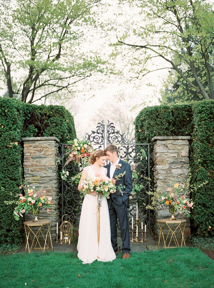 garden wedding inspiration - photo by Hillary Muelleck Photography http://ruffledblog.com/garden-estate-wedding-inspiration-with-delicate-poppies