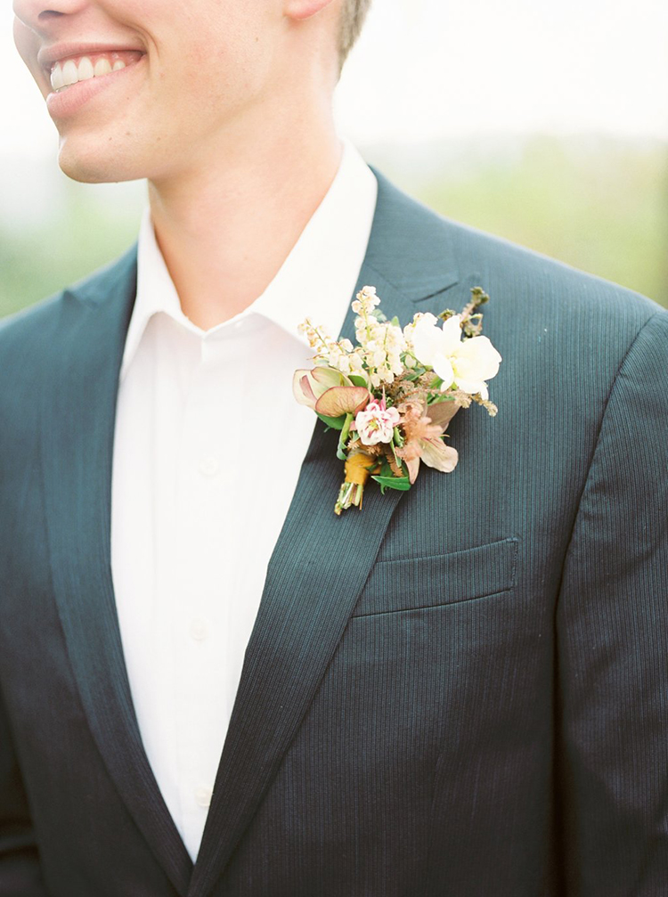 simple wedding boutonnieres - photo by Hillary Muelleck Photography http://ruffledblog.com/garden-estate-wedding-inspiration-with-delicate-poppies