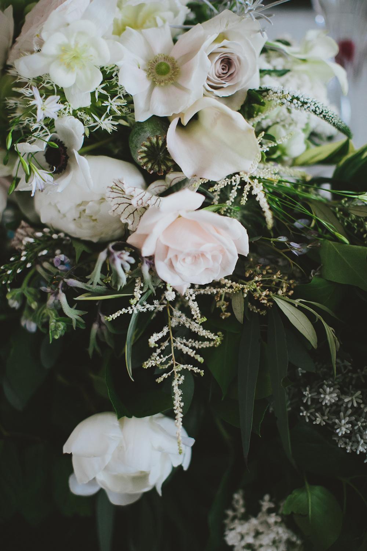 wedding flowers - photo by Henry and Mac https://ruffledblog.com/glam-downtown-philadelphia-wedding