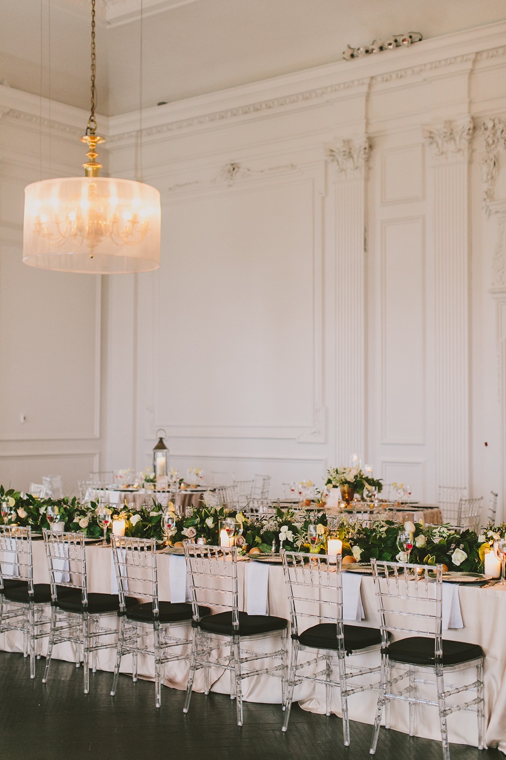 romantic tablescapes - photo by Henry and Mac http://ruffledblog.com/glam-downtown-philadelphia-wedding