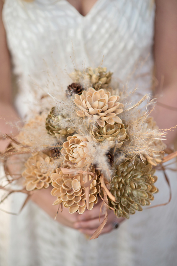 nonfloral bouquet - photo by Kelly Rae Studio https://ruffledblog.com/handcrafted-fall-wedding-inspiration