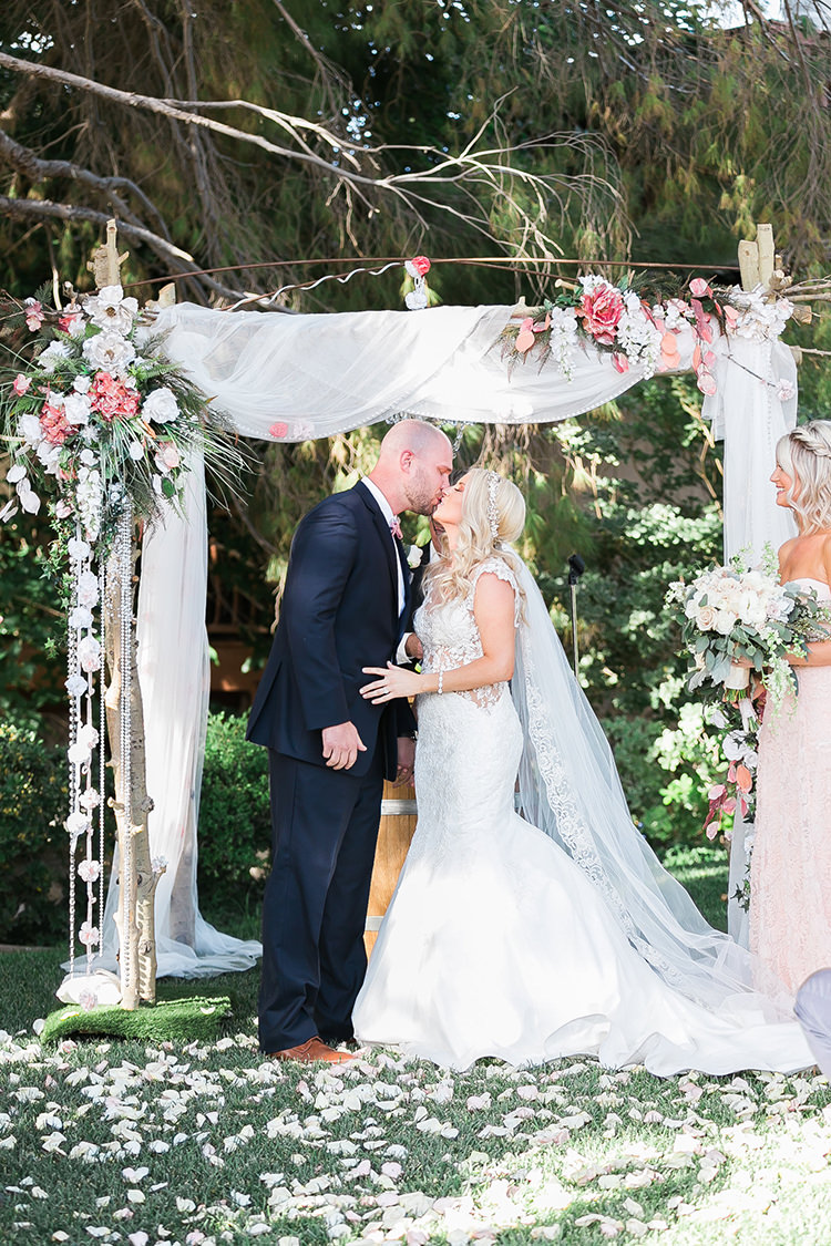 Rustic Chic Las Vegas Garden Wedding in Pink - photo by J Anne Photography http://ruffledblog.com/rustic-chic-las-vegas-garden-wedding-in-pink