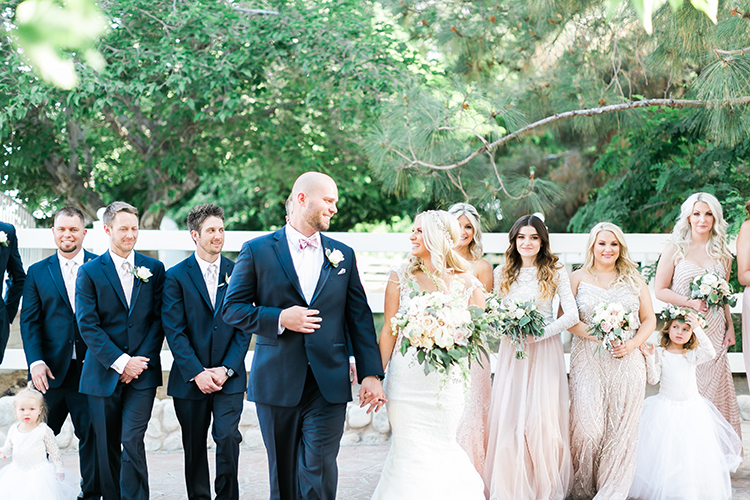 navy and pink rustic chic wedding colors - photo by J Anne Photography http://ruffledblog.com/rustic-chic-las-vegas-garden-wedding-in-pink