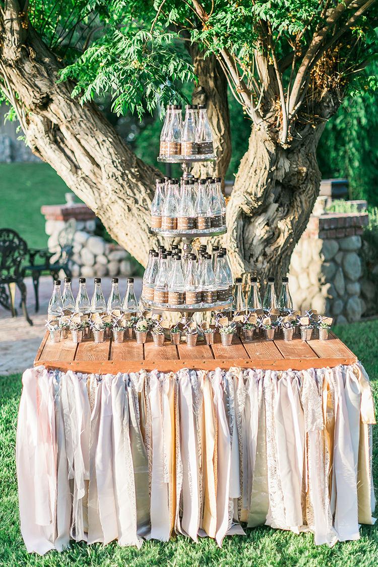 wedding drink menu ideas - photo by J Anne Photography http://ruffledblog.com/rustic-chic-las-vegas-garden-wedding-in-pink