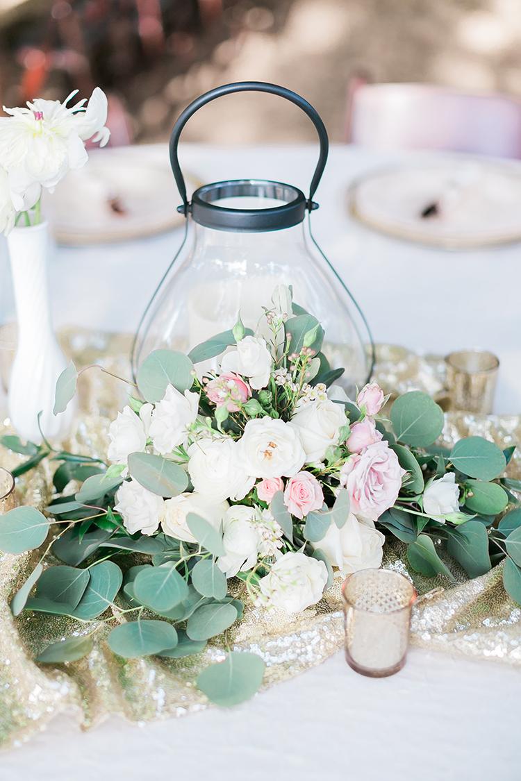 wedding centerpiece ideas - photo by J Anne Photography http://ruffledblog.com/rustic-chic-las-vegas-garden-wedding-in-pink