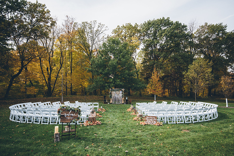 outdoor fall wedding ceremonies - photo by Ed and Aileen Photography https://ruffledblog.com/handcrafted-wedding-with-a-doily-hoop-ceremony-backdrop