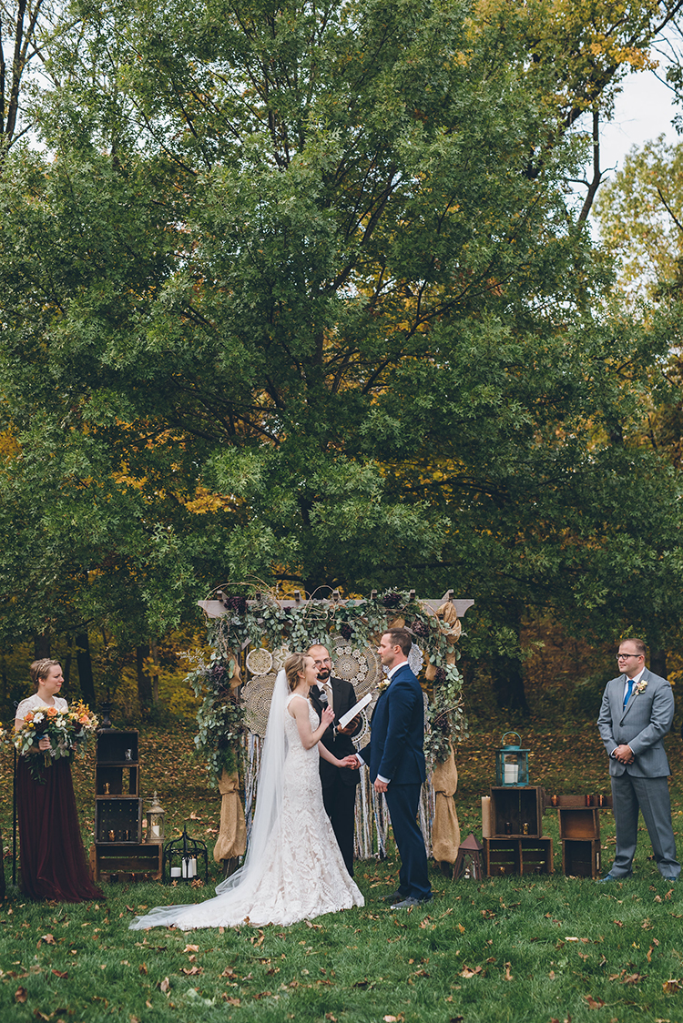 wedding ceremonies - photo by Ed and Aileen Photography https://ruffledblog.com/handcrafted-wedding-with-a-doily-hoop-ceremony-backdrop