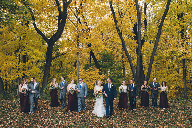 wedding parties - photo by Ed and Aileen Photography https://ruffledblog.com/handcrafted-wedding-with-a-doily-hoop-ceremony-backdrop