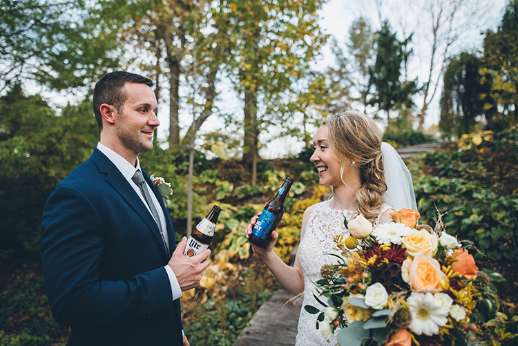 modern wedding photography - photo by Ed and Aileen Photography https://ruffledblog.com/handcrafted-wedding-with-a-doily-hoop-ceremony-backdrop