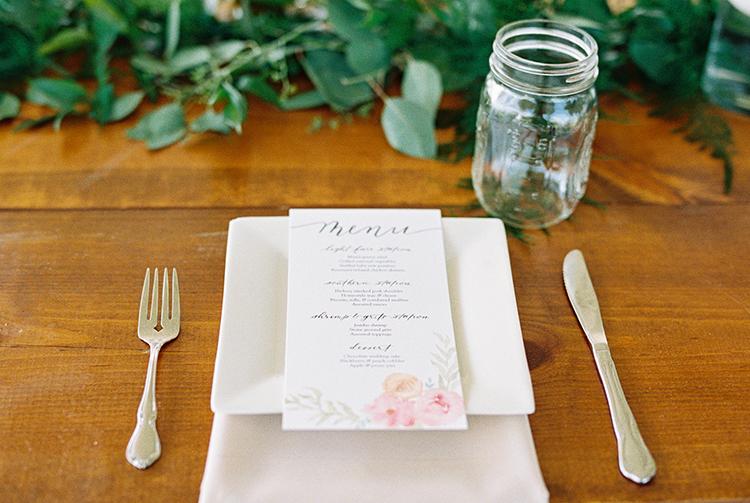 modern romantic place settings - photo by Amilia Photography https://ruffledblog.com/heart-touching-north-carolina-nursery-wedding