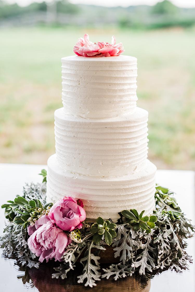 simple romantic wedding cakes - photo by Amilia Photography http://ruffledblog.com/heart-touching-north-carolina-nursery-wedding