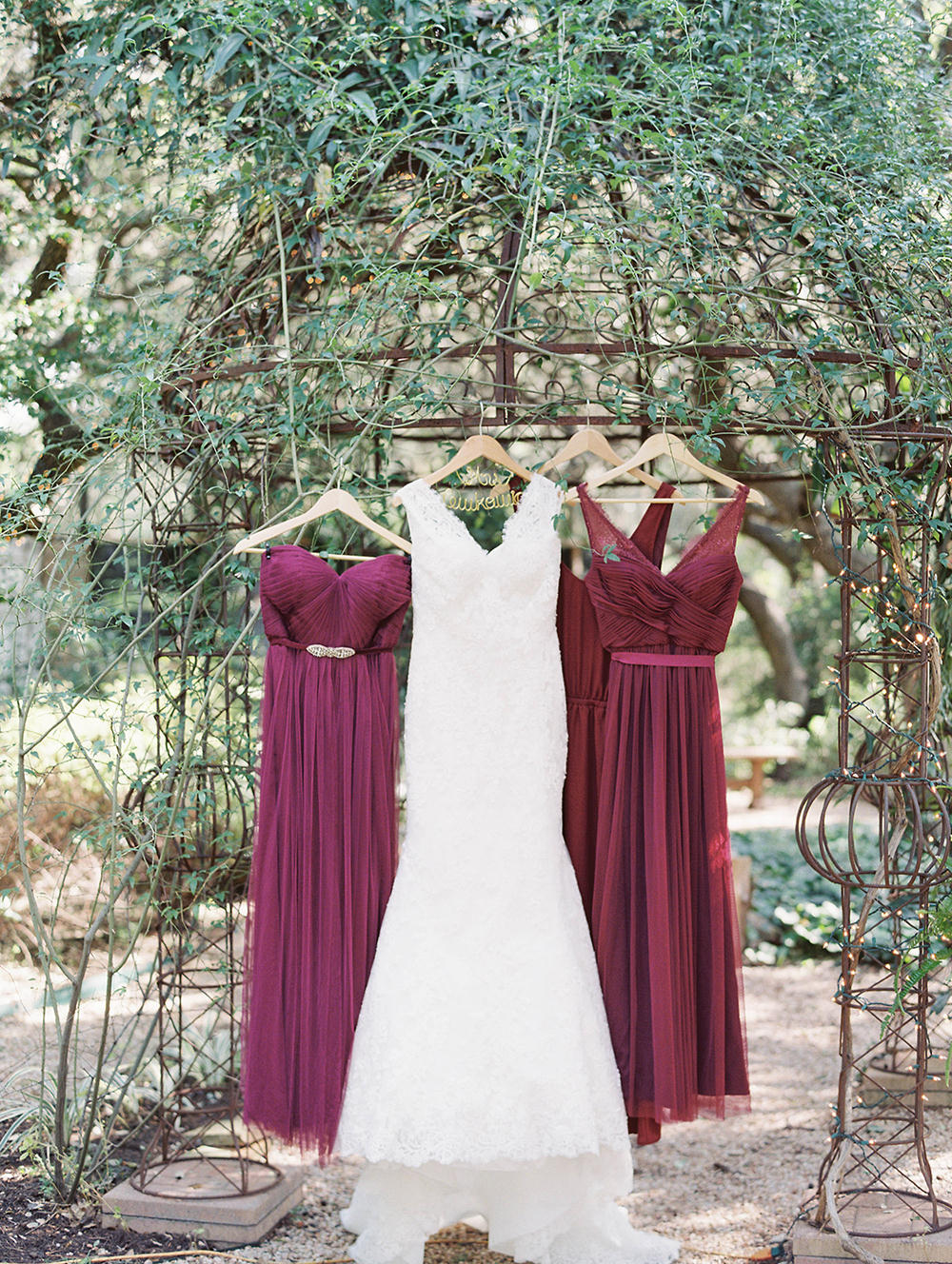 wedding dresses - photo by Honey Gem Creative http://ruffledblog.com/hill-country-garden-wedding