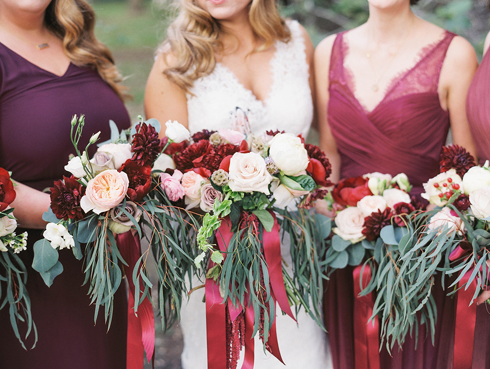 bridesmaid bouquets - photo by Honey Gem Creative http://ruffledblog.com/hill-country-garden-wedding