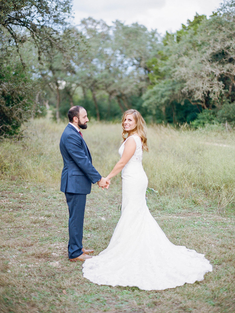 wedding photography - photo by Honey Gem Creative http://ruffledblog.com/hill-country-garden-wedding