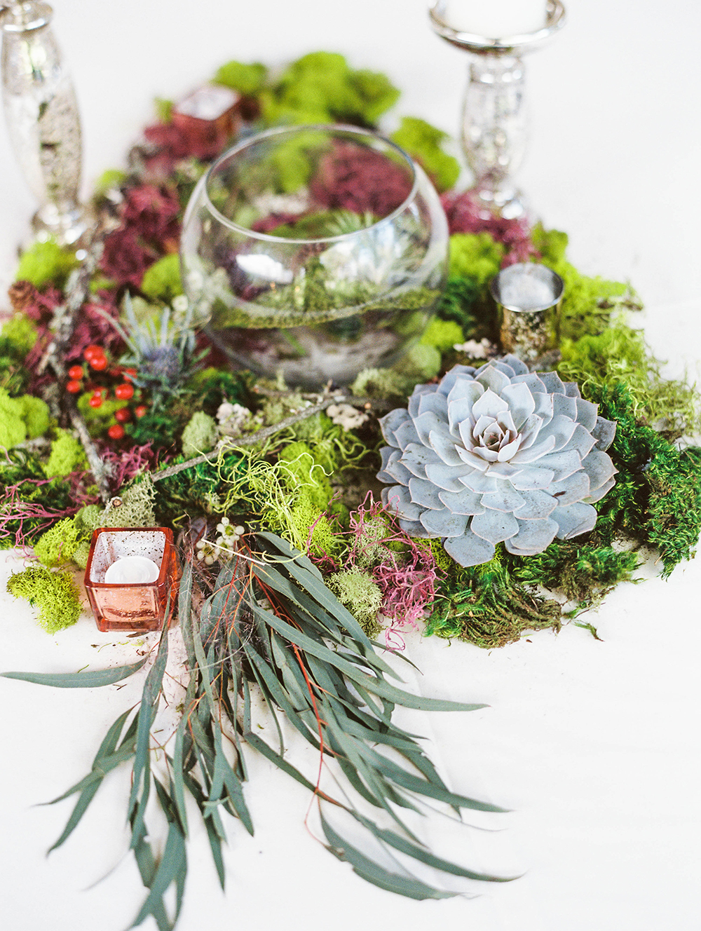 wedding centerpieces - photo by Honey Gem Creative http://ruffledblog.com/hill-country-garden-wedding