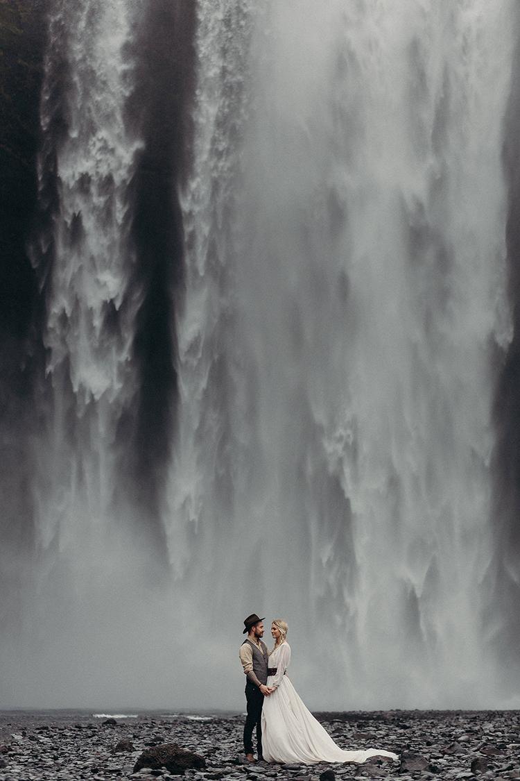 Idyllic Engagement Inspiration in Iceland - photo by Jane Iskra https://ruffledblog.com/idyllic-engagement-inspiration-in-iceland