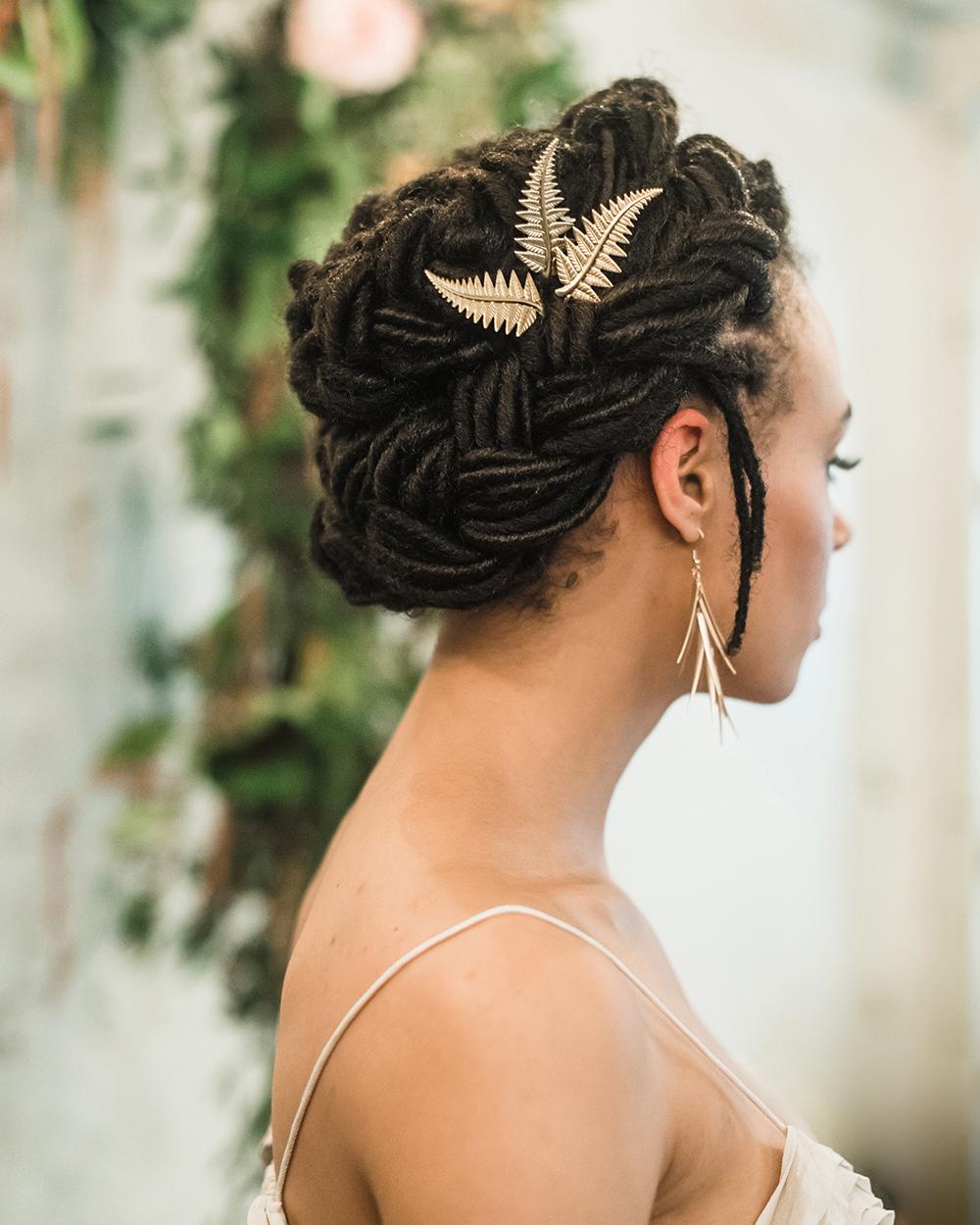 bridal hair accessories - photo by Dawn Derbyshire Photography https://ruffledblog.com/industrial-candlelit-wedding-inspiration