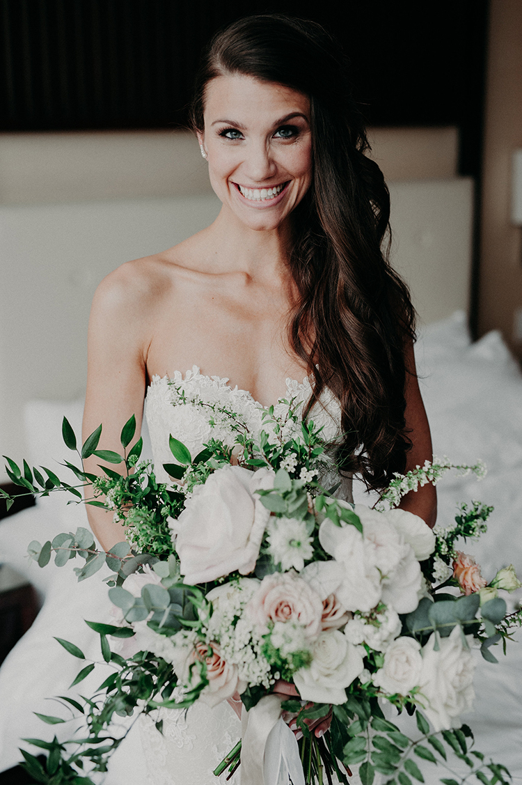 romantic wedding bouquets - photo by Scarlet ONeill https://ruffledblog.com/industrial-space-meets-enchanted-forest-wedding