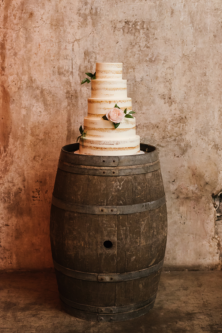 wedding cakes - photo by Mango Studios https://ruffledblog.com/industrial-wedding-in-toronto-with-an-enchanted-forest-reception