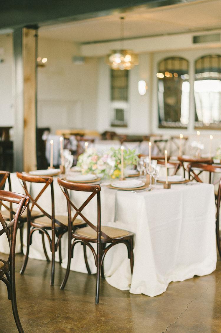 wedding receptions - photo by Elizabeth Fogarty http://ruffledblog.com/soft-wedding-inspiration-in-oatmeal-and-gray