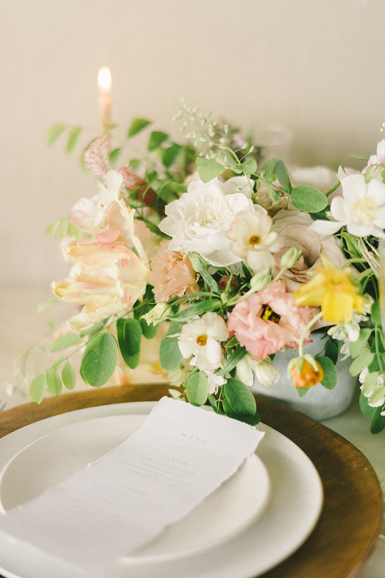 wedding place settings - photo by Elizabeth Fogarty http://ruffledblog.com/soft-wedding-inspiration-in-oatmeal-and-gray