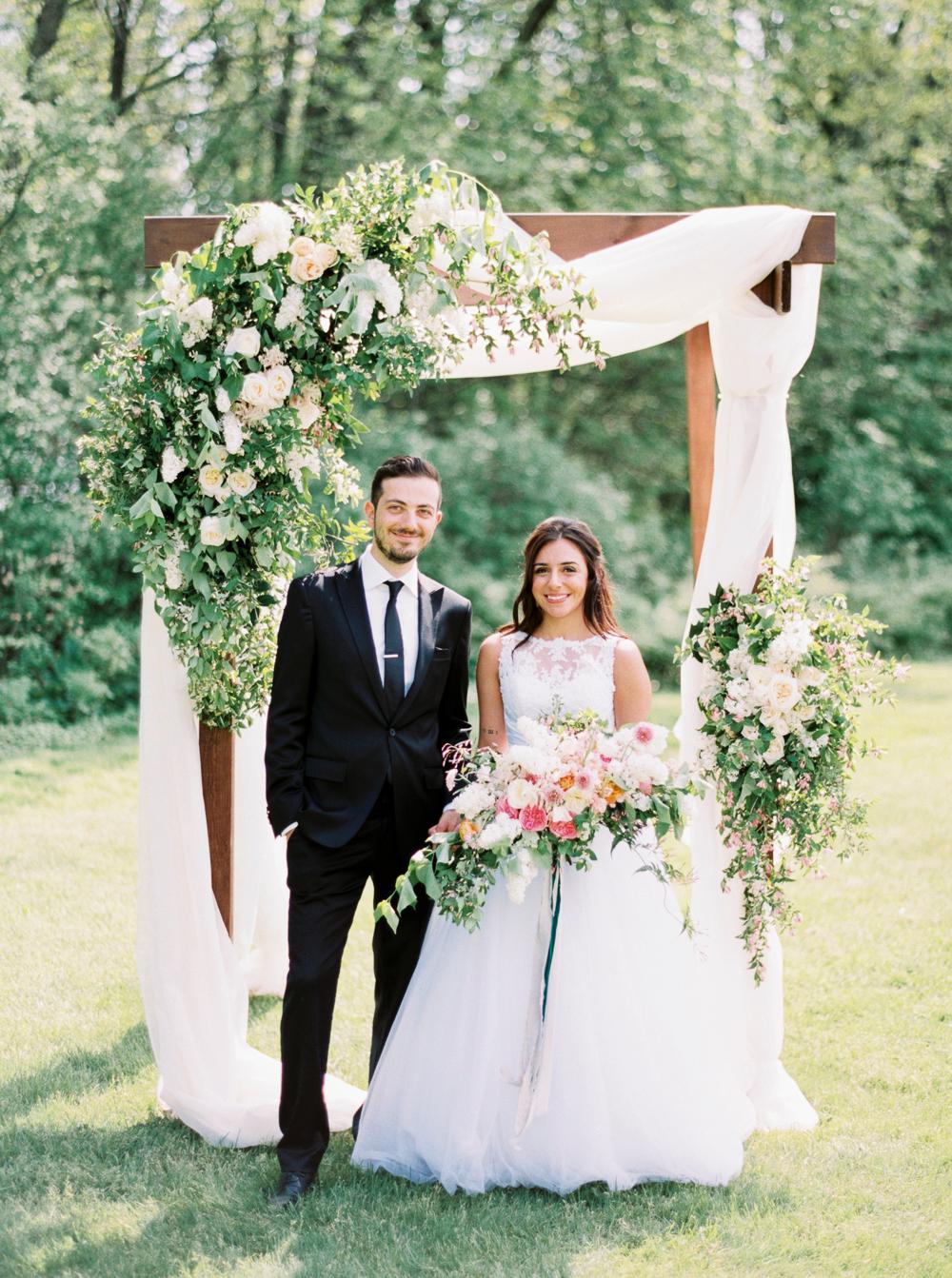 Intimate Flamborough Hills Wedding Inspiration - photo by Andrew Mark https://ruffledblog.com/intimate-flamborough-hills-wedding-inspiration