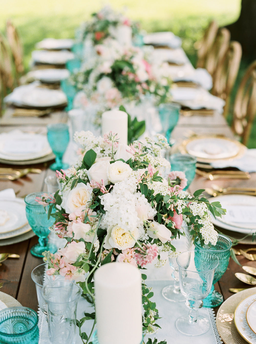 reception tables - photo by Andrew Mark https://ruffledblog.com/intimate-flamborough-hills-wedding-inspiration
