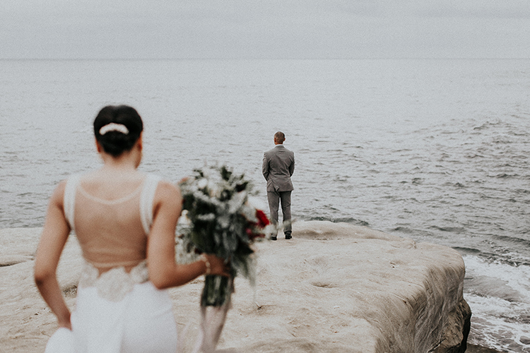 La Jolla cliffs first looks - http://ruffledblog.com/intimate-modern-romantic-wedding-celebration-the-ceremony