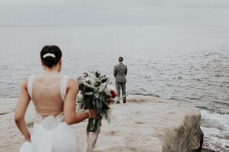 La Jolla cliffs first looks - https://ruffledblog.com/intimate-modern-romantic-wedding-celebration-the-ceremony