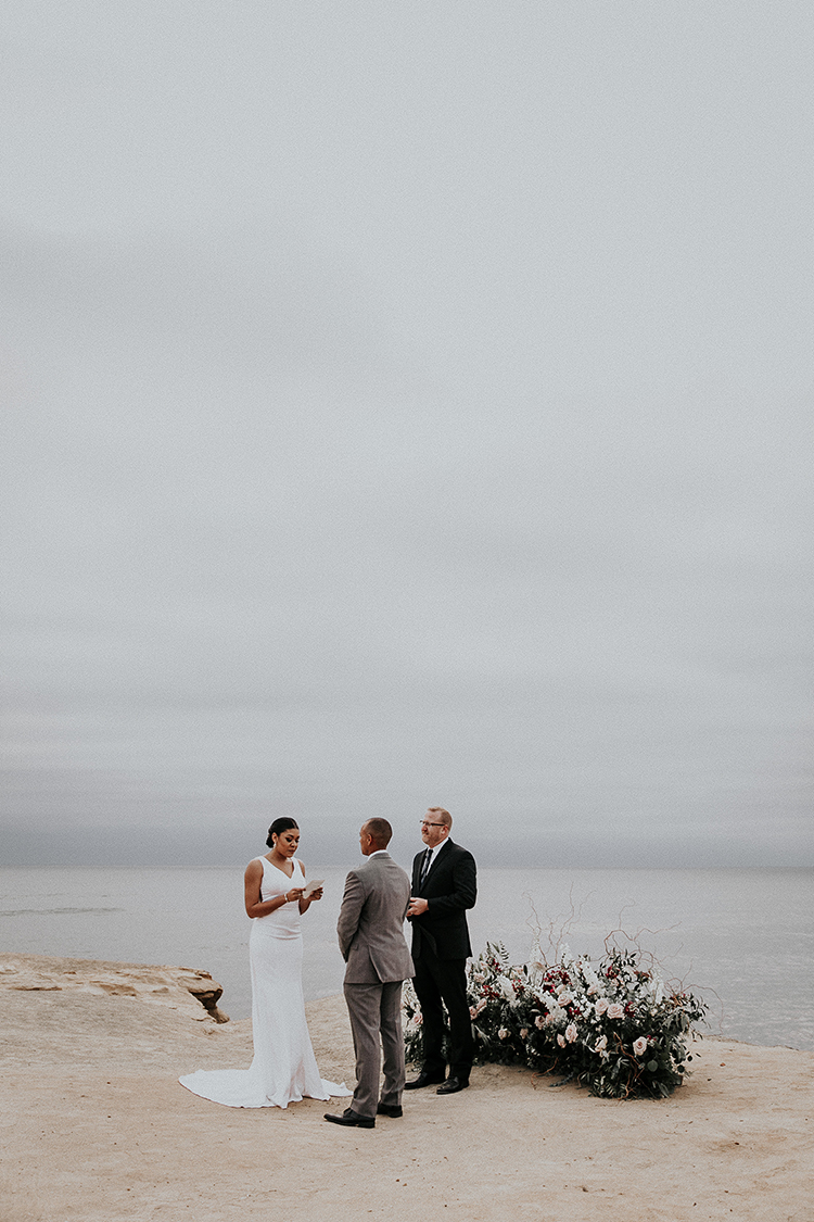 romantic cliffside weddings - http://ruffledblog.com/intimate-modern-romantic-wedding-celebration-the-ceremony
