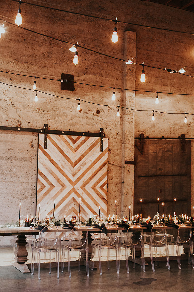 modern geometric backdrop ideas - https://ruffledblog.com/intimate-modern-romantic-wedding-celebration-the-reception